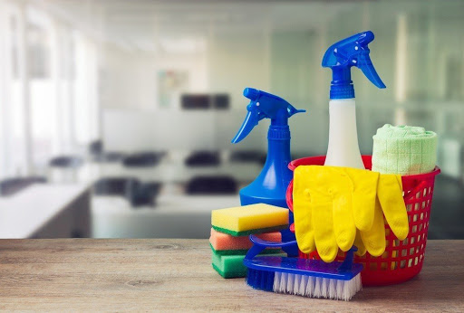 4 ways to achieve a sparkling clean office